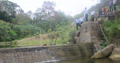 El Dr. Eduardo Cedeño, recibe la visita del Secretario del Agua Sr. Humberto Cholango. donde realizan un recorrido sobre los trabajos de la Primera Etapa del Agua Potable